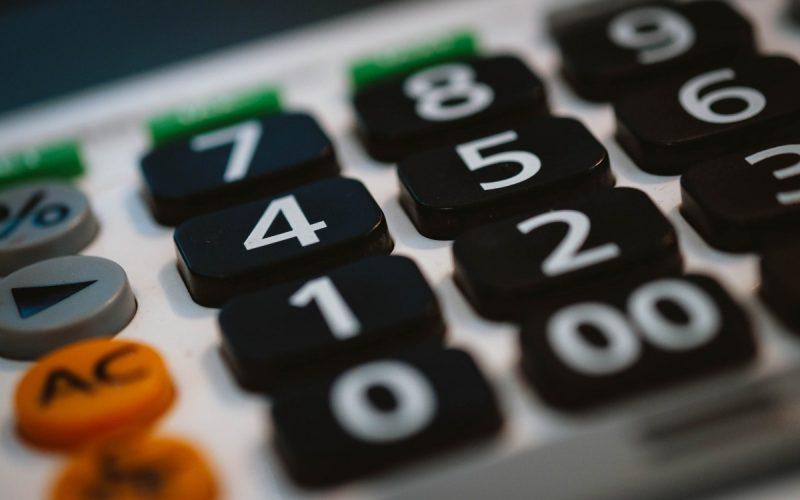 Calculator for working out tax return figures
