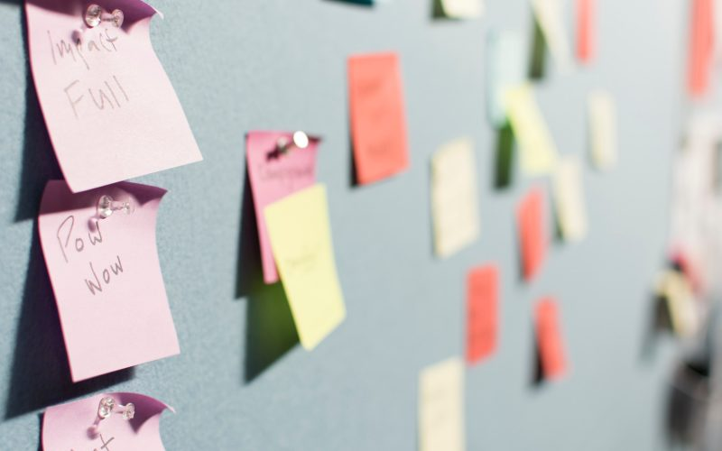 Post it notes on a pinboard