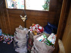 Inviting sacks full of presents!