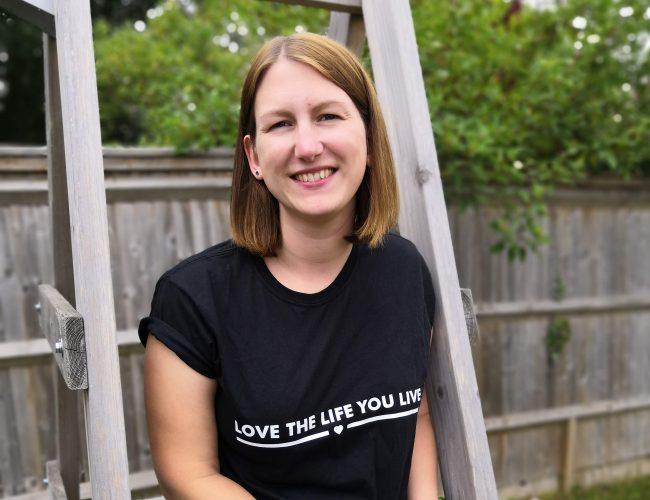 Jesmundo postive slogan tshirt