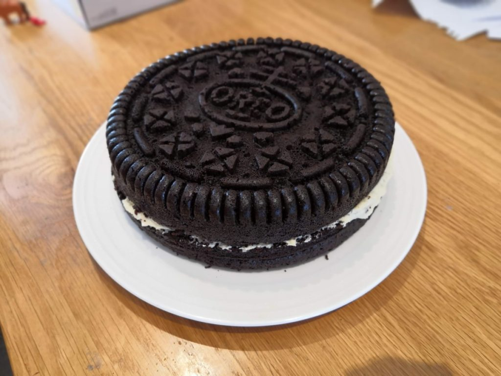 Cooked cake in style of Oreo biscuit